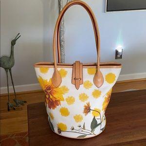 Dooney & Bourke Hand Bag - excellent condition